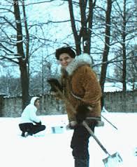 MOVING GIF CHRISTMAS GRACELAND snow 1966